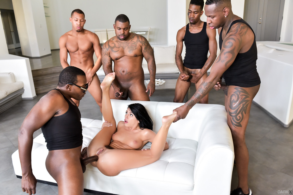 Wild gay sex parties and twinks pissing 2