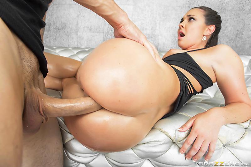 Latina big tits round ass