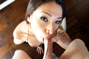 Excellent babe Vicki Chase demonstrates her blowjob skills