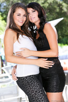 Cassandra Nix gets pleased by sweet cutie Allie Haze