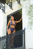Dylan Ryder shows off her body in an amazing outfit