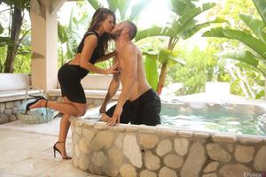 Danny Mountain lets Adriana Chechik enjoy his cock