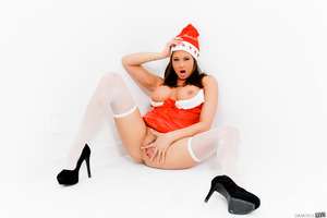 Christmas photo session features beautiful Tory Lane
