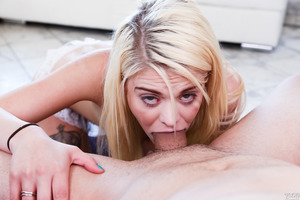 First class blowjob from a seductive blondie Dallas