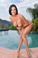 Veronica Avluv revealing her big boobies at the pool