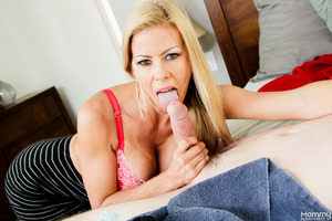 Tattooed stud Buddy Hollywood fucking Alexis Fawx