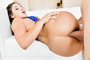 Jordan Ash licks out smoking hot beauty Abella Danger