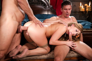 Double penetration session features gorgeous Mick Blue