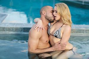 Mia Malkova enjoys cosmic orgasms while at the pool