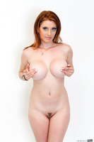 Britney Amber and superb Lilith Lust showing off in close up