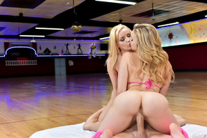 Lesbian sex session feat. Staci Carr and Mia Malkova