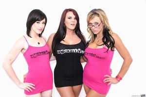 Jennifer White, Mackenzee Pierce, Nikki Sexx posing