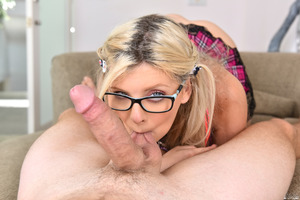 Alessandra Noir shows off her amazing blowjob skills
