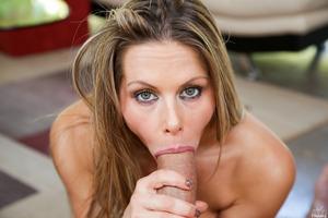 Huge dick for a fantastic looking girl Rachel Roxxx