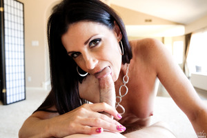 Wonderful India Summer gets covered in fresh cumshot