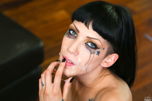 Freshly squeezed cumshot for marvelous Asphyxia Noir