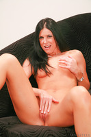 India Summer reveals her perfect buns while in lingerie