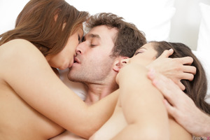 Hot intercourse of Sara Luvv, Caroline Ray and James Deen