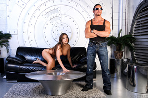 Cool guy Tommy Gunn seduced and fucked by Nika Noir