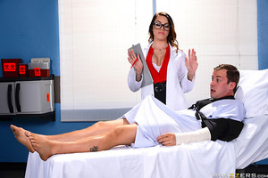 Jessy has been laid up in the hospital for weeks with two broken arms. Unable to jerk off, he's desperate for some relief. After inspecting his throbbing problem Dr. Ventura takes pity on her patient and gives him the treatment he needs so badly.