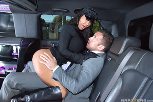 Johnny Castle wants to get to the airport on time to make his flight, but his big-titter driver August Taylor has other ideas. August wants to fuck, so she drives Johnny out to a secluded area so that she can have her way with him. She may be a lousy chau