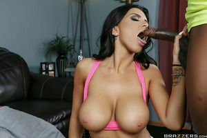 The arrival of her new personal trainer gave Romi Rain the exact chance she'd been looking for to re-capture a bit of her wild ways from her days as a single woman. From their first moments together, Romi flirted with Rob, touching his pipes and giving hi