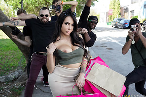 You want another sex tape? Oh Kim K (Lela Star) will give you another sex tape, and this time there's no holding back! When paparazzi Levi goes a little too far in his quest for the perfect shot, Kim takes him home to torture his dick with the big booty t