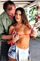 Country sluts like Randy rancher August Ames can spot a big dicked stud from miles away. When her new neighbor Mark moves in with his bitchy city-slicker wife, August gets straight to work, inviting him over for a little country-fried seduction. All it ta