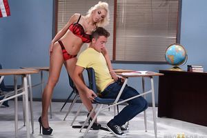 When Van Wylde's new TA trashed his exam, he raced straight to her office to demand she re-grade his paper. But Nina demanded that instead, he re-do the test right then and there, on her terms. While Van scrambled to answer the questions, Nina licked her