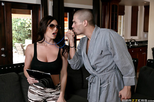 Xander Corvus wakes up in the morning after a rough night out. He wants nothing more than to enjoy a little peace and quiet. Kendra Lust arrives at Xander's house, bursting through his front door like the sexy drill sergeant she is, thinking he is one of