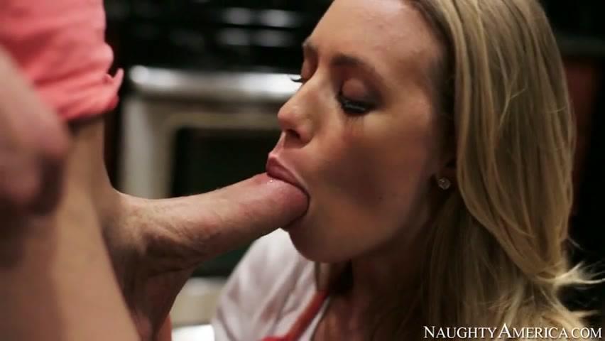 Nicole aniston kitchen