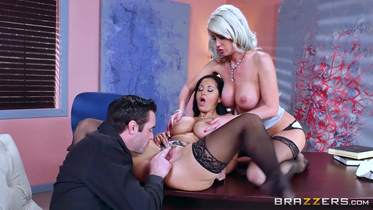 Anna Bell Peaks Brazzers